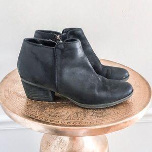 Blondo Villa Waterproof Leather Ankle Booties